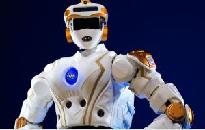 NASA space robot [image credit: phys.org]