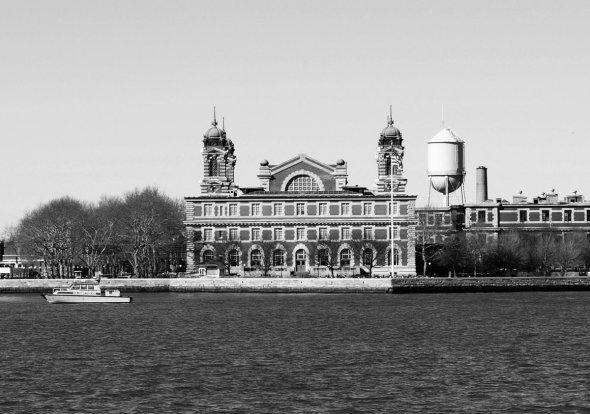 Ellis Island 1900