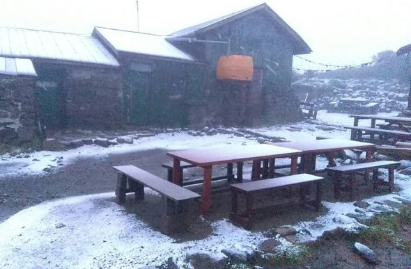 Earliest Snowfall On Record Covers Hokkaido Mountain - Electroverse