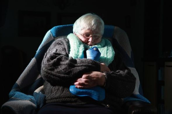 Elderly-woman-energy-bills-cold