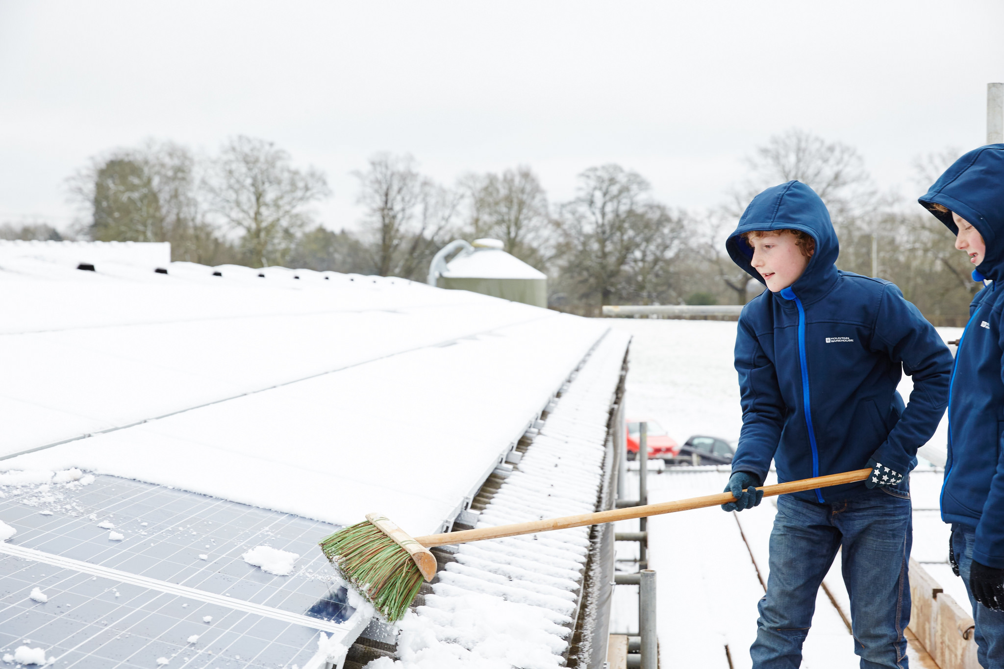 snow on solar panels- tips for removal | solar power authority